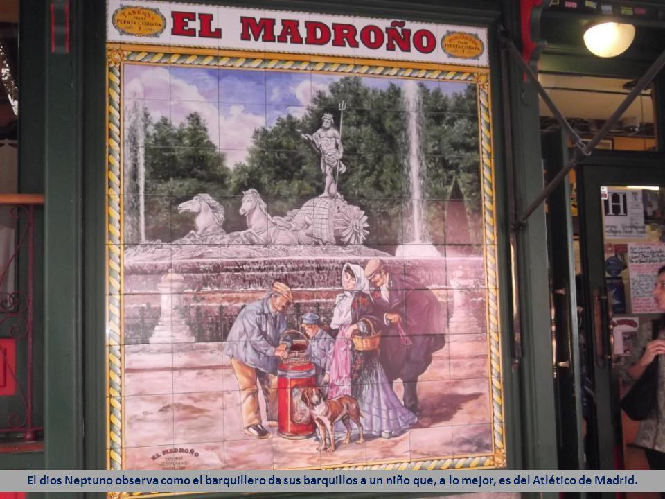 Chulos y chulapos acuden a la ermita del Santo Labrador para celebrar la fiesta popular y lucir los mantones de Manila.