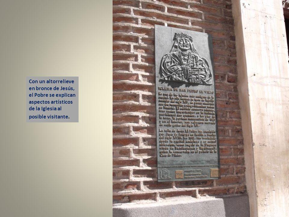 La torre de ladrillo de la Iglesia, de estilo mudéjar, es lo más antiguo e interesante de la Iglesia. Fue construida a mediados del Siglo XIV y se la
