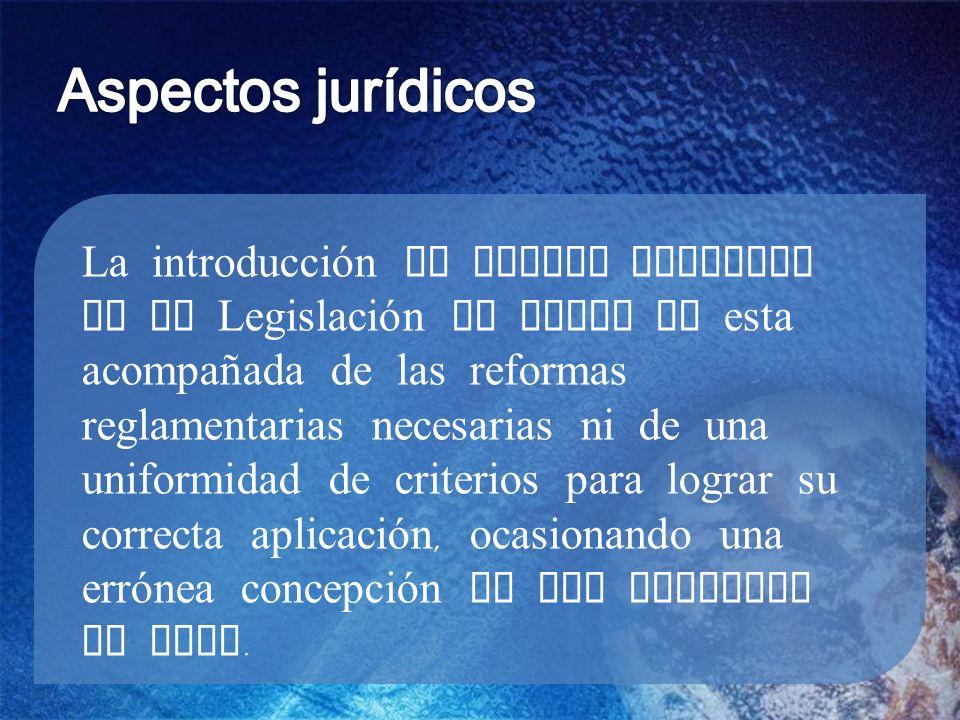 La introducción de nuevos enfoques en la Legislación de Aguas no esta acompañada de las reformas reglamentarias necesarias ni de una uniformidad de criterios para lograr su correcta aplicación, ocasionando una errónea concepción de los derechos al agua.