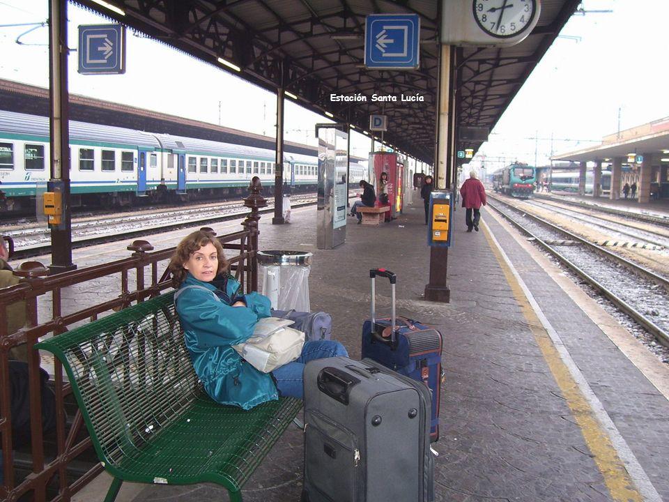 Estación de tren Santa Lucía en Venecia Boleterías Vista a la salida de la estación Estación