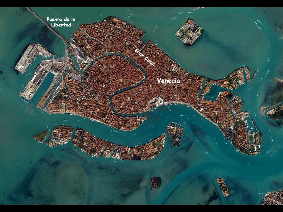 Imagen satelital de la Laguna de Venecia y las islas del archipiélago Murano Golfo de Venecia Lido Malamocco Laguna de Venecia Puente de la Libertad M