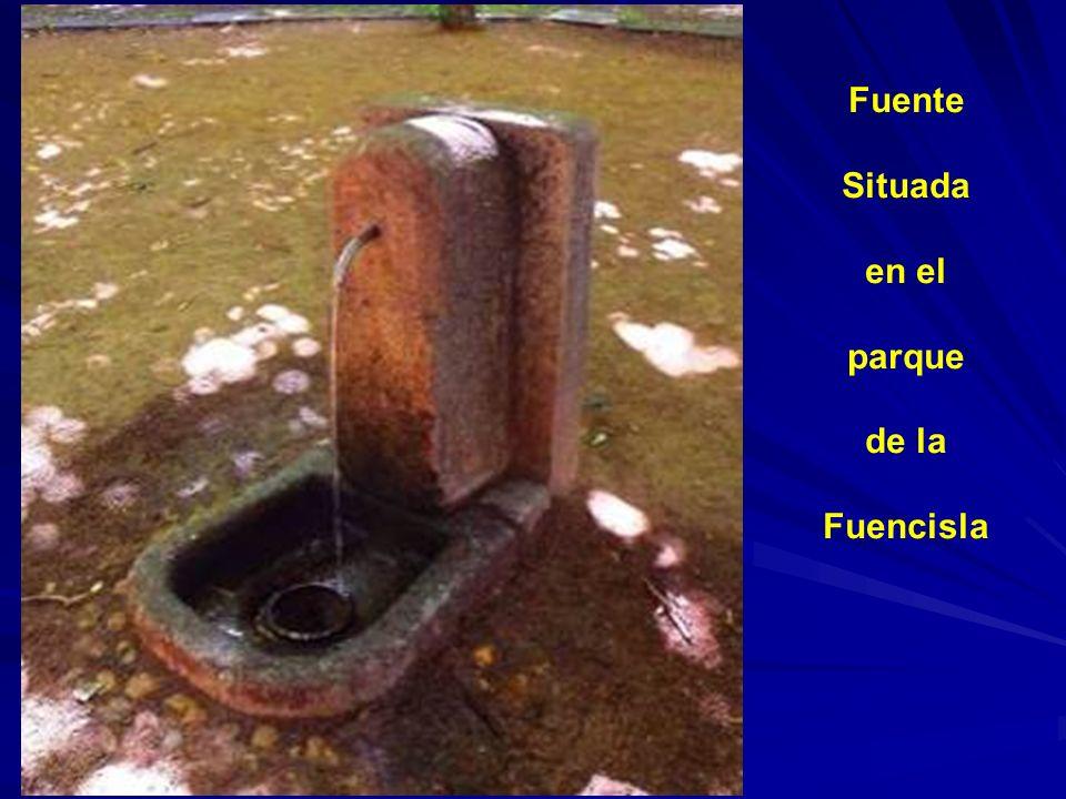 Fuente y pilón situados al lado izquierdo del Santuario de la Fuencisla. Fue construida en 1824 por la Junta de Caminos a beneficio del púbico.