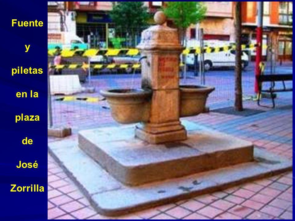 La fuente que nunca tiene agua, situada en la rotonda de la plaza del Alto de los Leones de Castilla