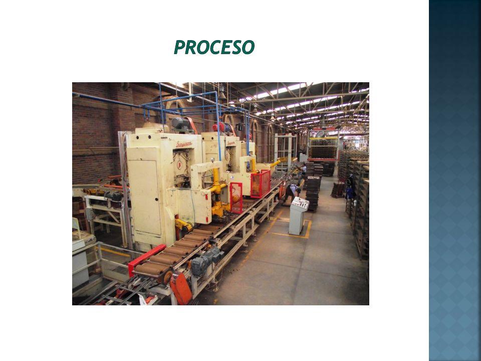 Los extractores sacan del secador el vapor de agua que se genera durante la combustión y se extrae de las tejas.