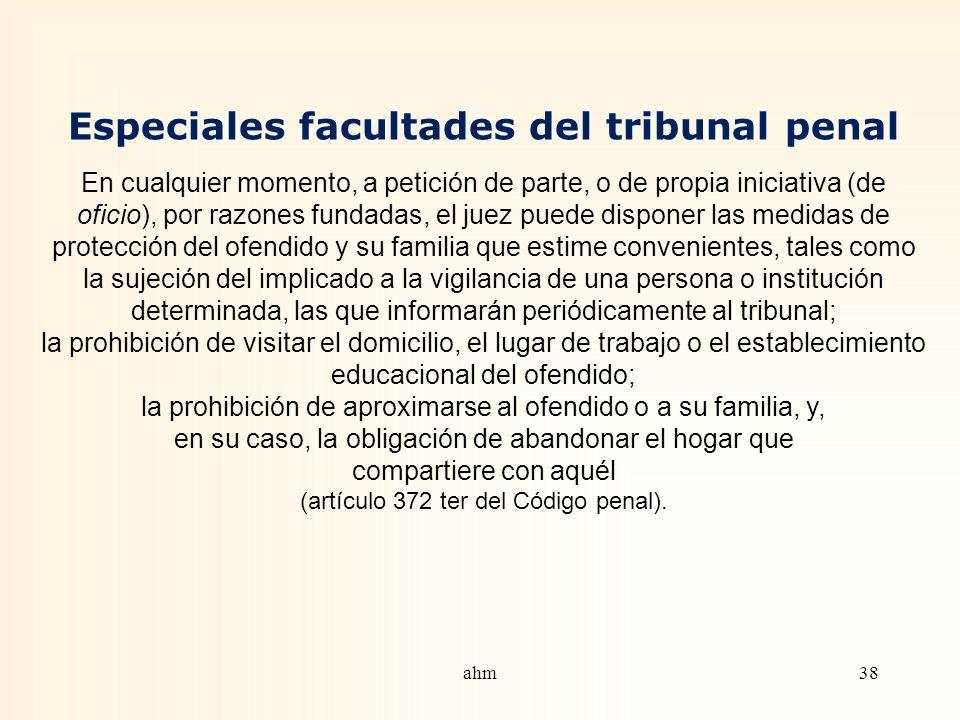 Denuncia por persona ofendida o representante legal No se puede iniciar proceso judicial por causa de los delitos reseñados, sin que, a lo menos, se h