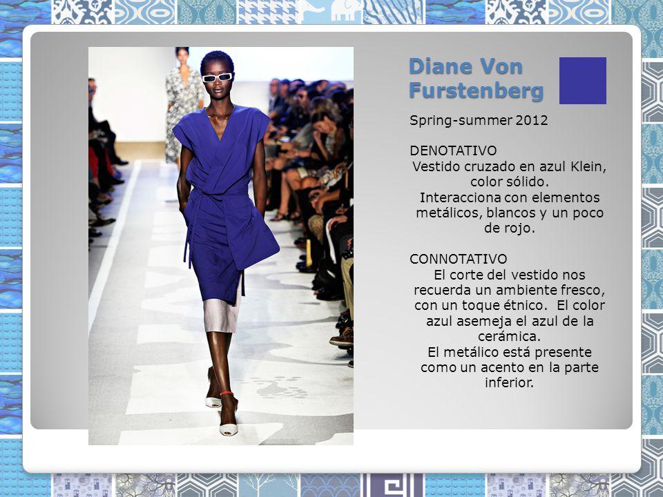 Diane Von Furstenberg Spring-summer 2012 DENOTATIVO Vestido cruzado en azul Klein, color sólido.