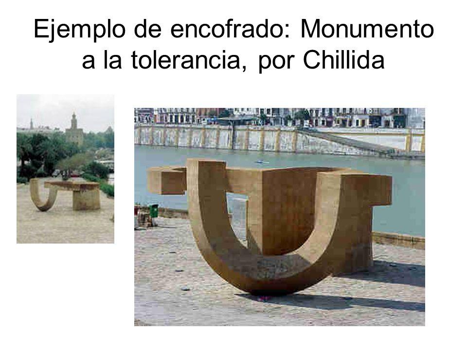 Ejemplo de encofrado: Elogio del Horizonte, por Chillida