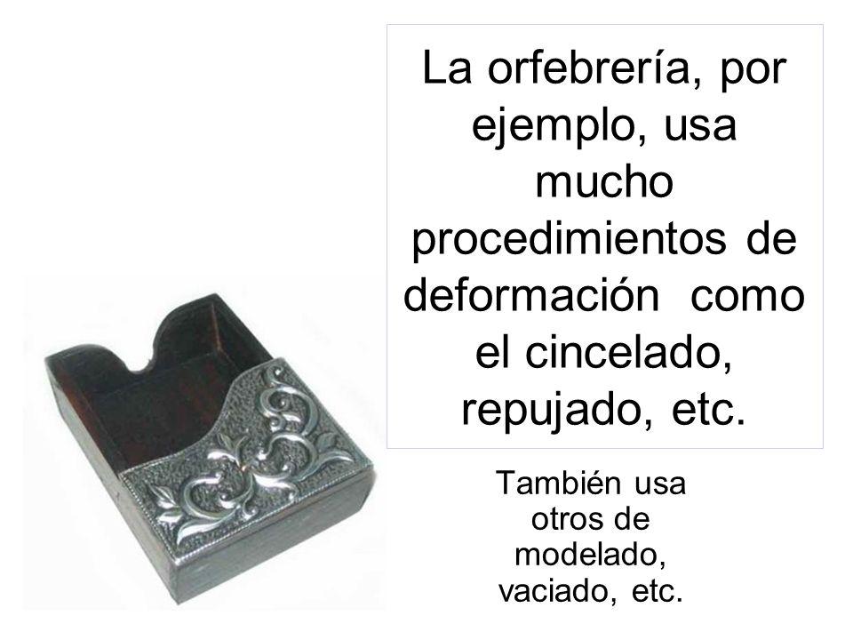 Ejemplo de obra de orfebrería: corona de la Virgen de la Paz, por J. Fernández, Sevilla