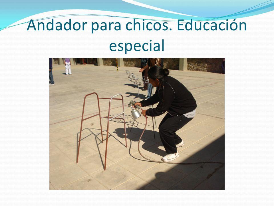 Andador para chicos. Educación especial