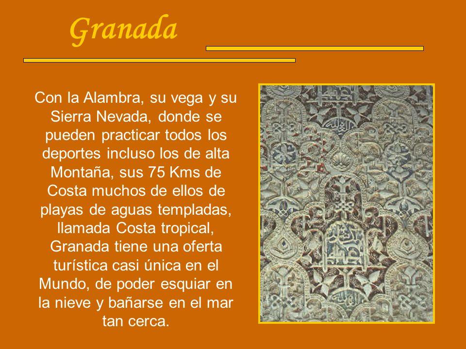 Córdoba Fue la capital de Al-Andalus y en el siglo X la ciudad más poblada de Europa. La Mezquita, el monumento más antiguo (en activo) de Occidente,