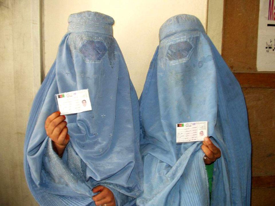 Identificación de una mujer. ¿Que identidad tienen?