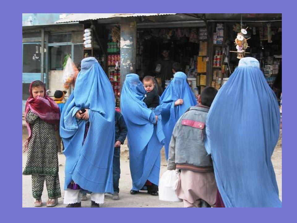 Cuando las fuerzas talibanes conquistaron Kabul, el 27 de septiembre de 1996, desterraron a la mujer afgana de la vida civil, expulsándola de la enseñ