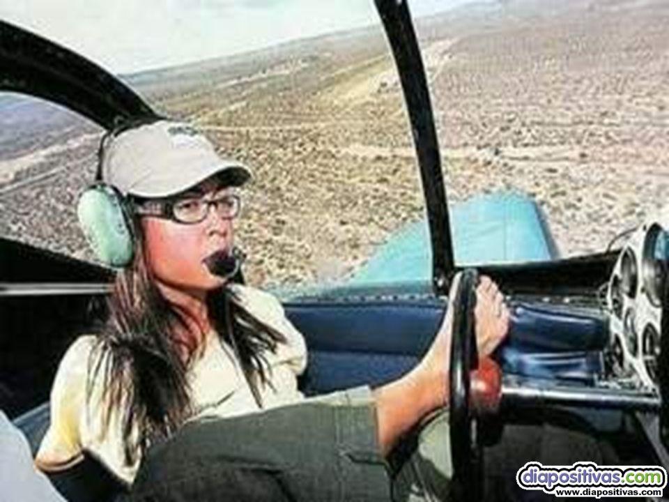 Hasta la fecha, ha contabilizado aproximadamente 160 horas de vuelo en solitario.