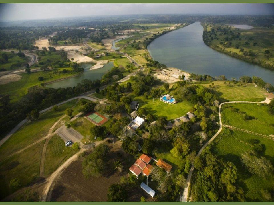 PLAN MAESTRO Obra de Robert von Hagge, el Plan Maestro fue diseñado integralmente con el campo de golf, garantizando una máxima plusvalía a cada uno de los terrenos con un área total de 350 hectáreas.