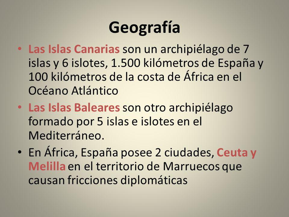 Geografía Las Islas Canarias son un archipiélago de 7 islas y 6 islotes, 1.500 kilómetros de España y 100 kilómetros de la costa de África en el Océan