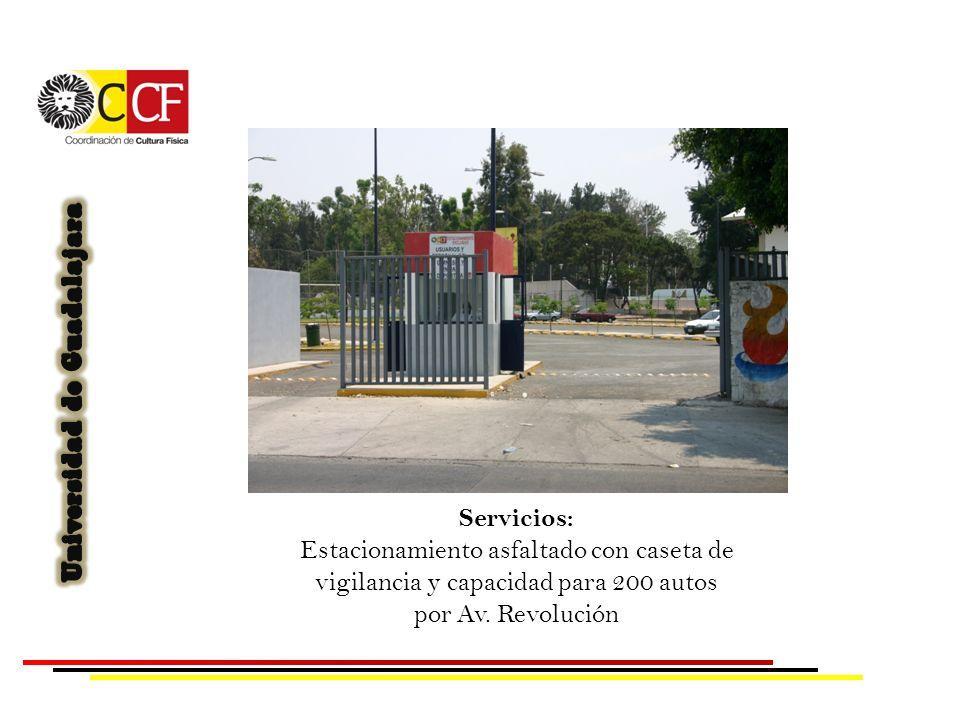 Servicios: Estacionamiento asfaltado con caseta de vigilancia y capacidad para 200 autos por Av. Revolución