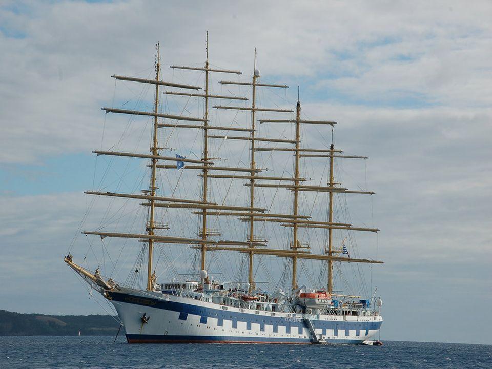 El Royal Clipper es un velero de cinco mástiles, con 134 metros de eslora, tiene capacidad para 227 pasajeros y 106 tripulantes y es el más rápido del