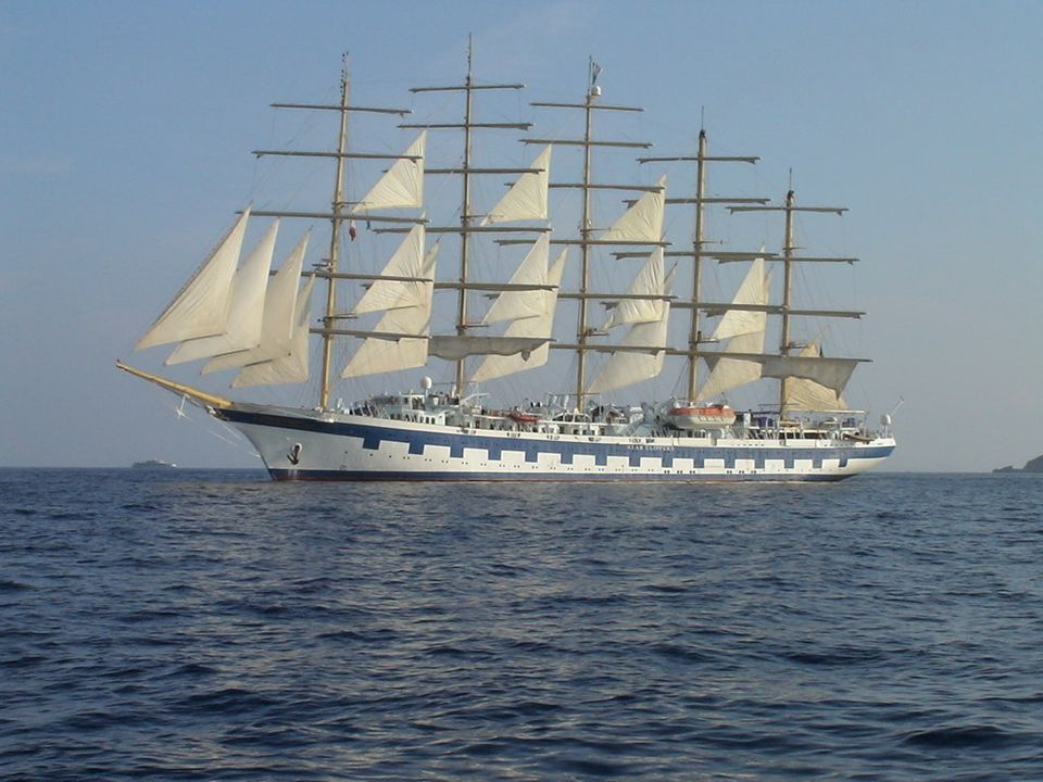 Construído en el año 2000, este velero de cinco mil toneladas, propriedad de la empresa luxemburguesa Star Clipper, se inspiró en el legendario velero