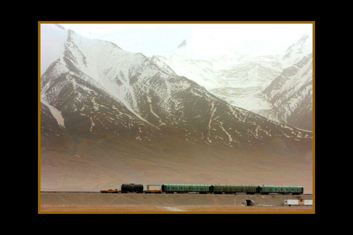 La travesía del tren entre Qinghai y el Tíbet es monitorizada vía satélite por el Departamento correspondiente de la Cía.