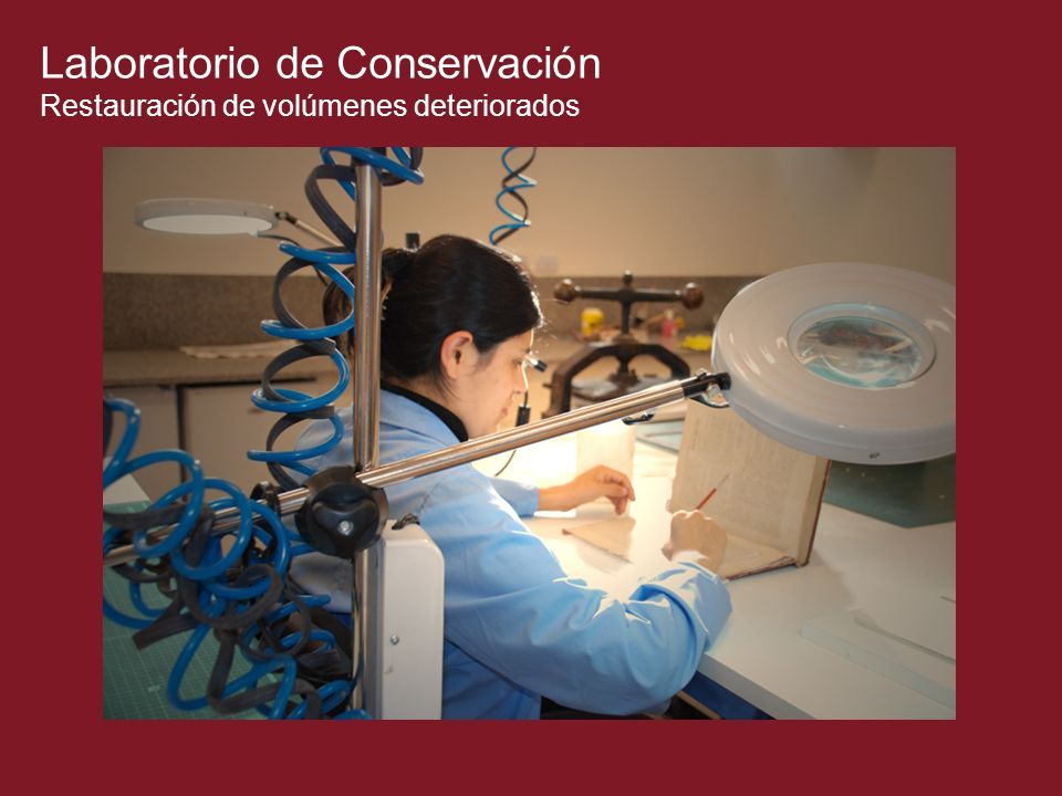 Laboratorio de Conservación Restauración de volúmenes deteriorados