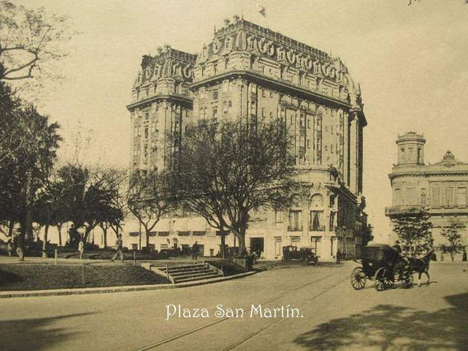 Plaza Carlos Pellegrini. Los palacetes Art nouveau y Beaux Arts