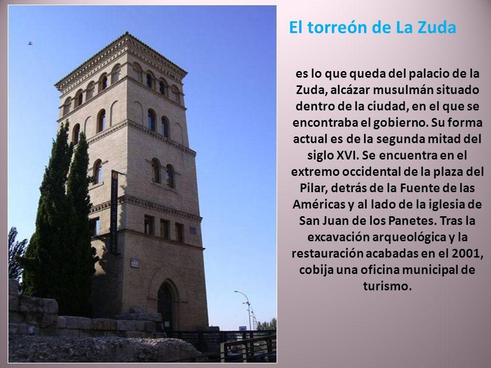 Iglesia de San Miguel de los Navarros Iglesia mudéjar del siglo XIV que ha conservado la torre cuadrada de ladrillo visto resaltado, con profusión de