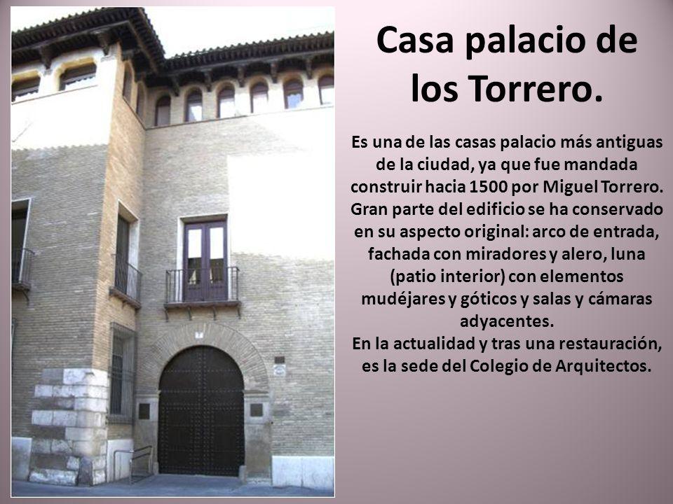 La Lonja, construida entre los años 1541 y 1551, es el mejor exponente de la arquitectura civil del Renacimiento en Aragón. Actualmente se emplea como