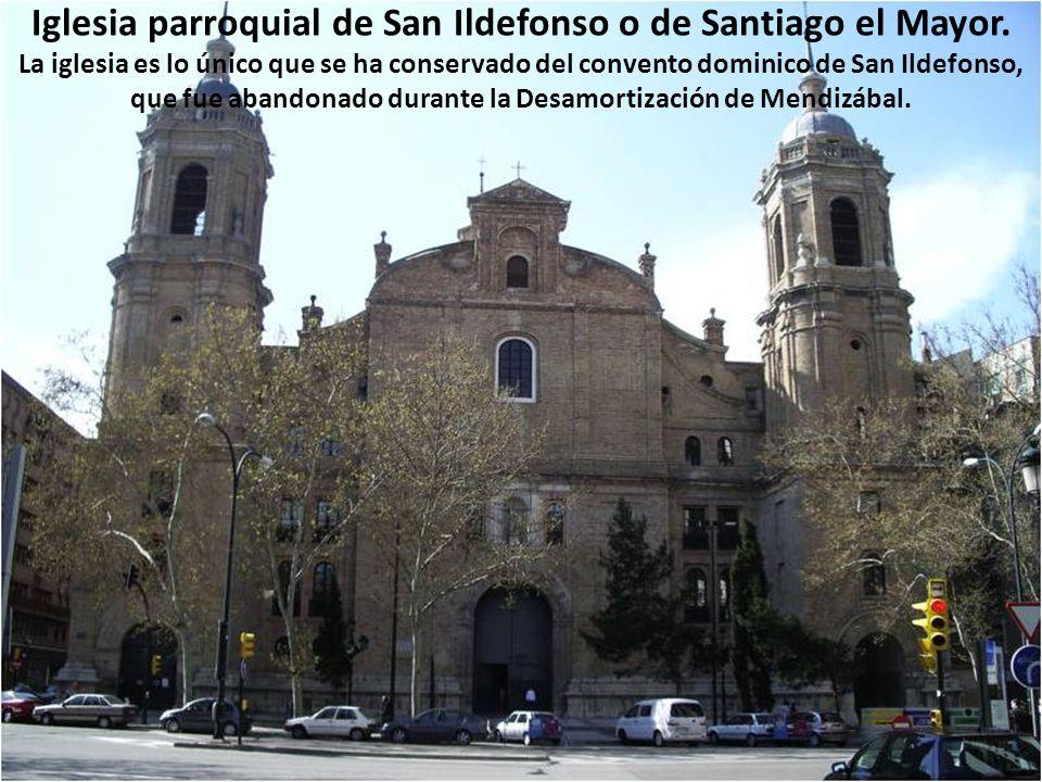Real Seminario de San Carlos Borromeo. A finales del siglo XVI se construye sobre el solar de la Sinagoga Mayor medieval de Zaragoza el Colegio, claus