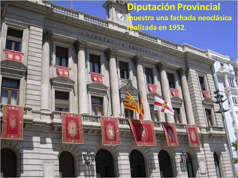 Plaza de España Es una plaza céntrica de Zaragoza, donde da inicio el Paseo de la Independencia. En esta plaza se encuentran la Diputación Provincial,