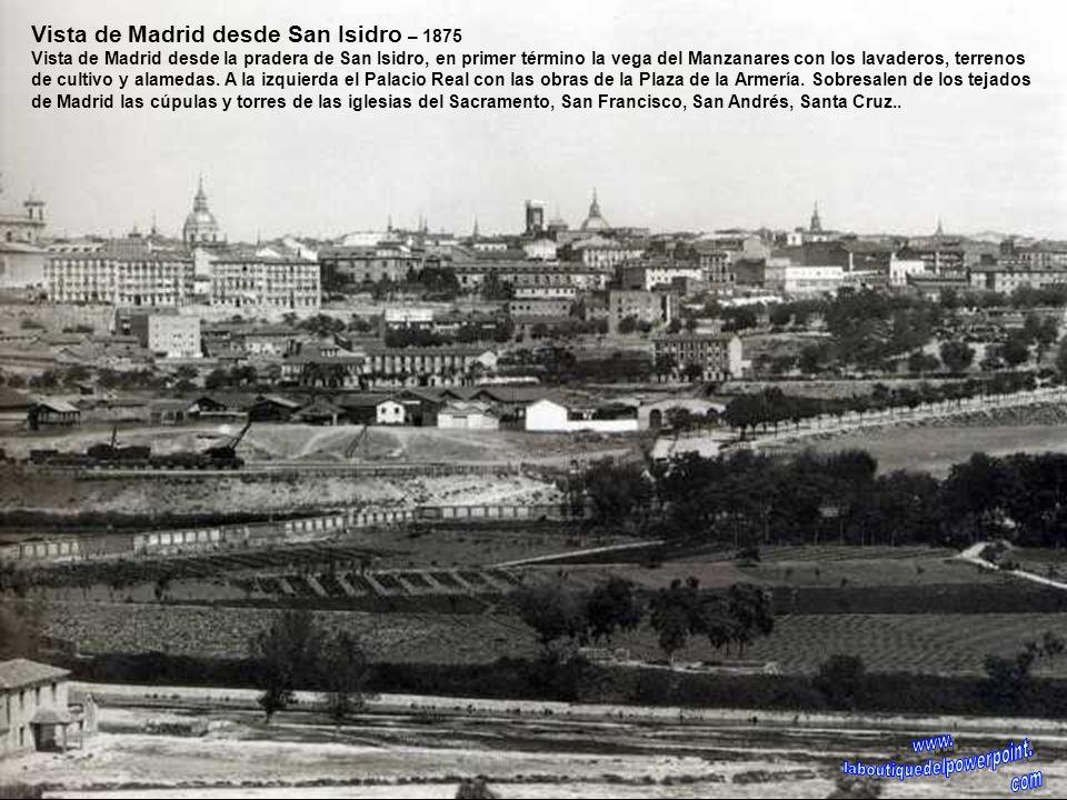 Glorieta de Cuatro Caminos – 1913 En el centro aparece ya la fuente que anteriormente estuvo situada en la Puerta del Sol, en la calle Bravo Murillo (