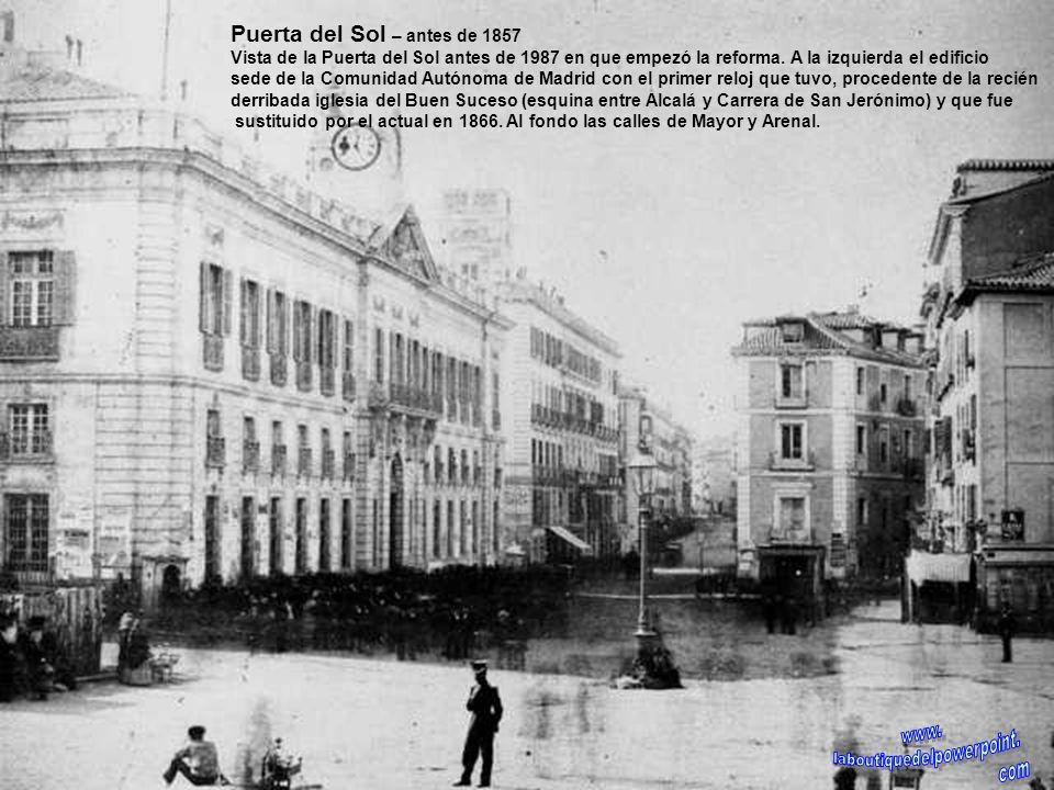 Plaza de la Cibeles – 1928 Panorámica de la Plaza de la Cibeles y la calle de Alcalá. La fuente aparece rodeada de una verja de hierro, a la izquierda