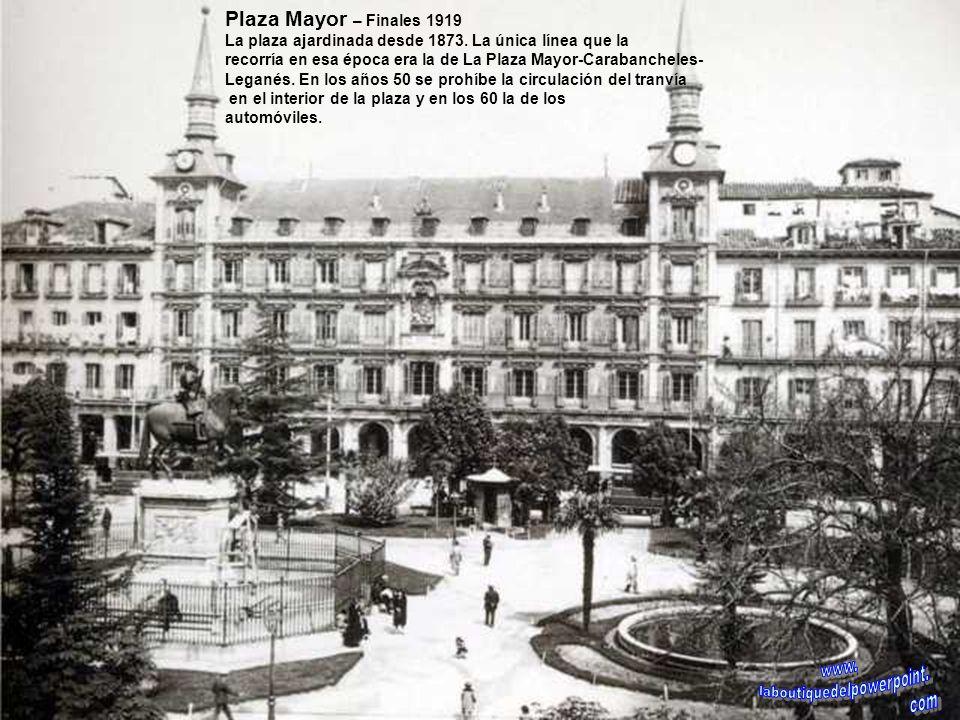 Calle Alcalá – antes de 1891 Al fondo a la derecha el Banco Nacional de España aún en construcción (se terminó en 1891) y a continuación las casas de