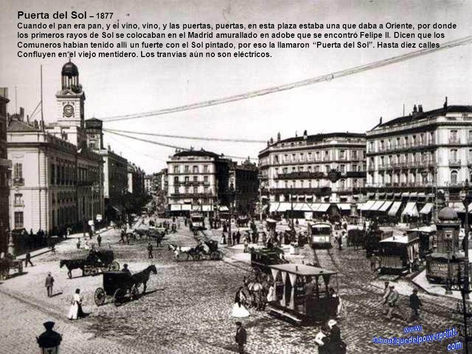 Plaza Mayor – Finales 1919 La plaza ajardinada desde 1873. La única línea que la recorría en esa época era la de La Plaza Mayor-Carabancheles- Leganés