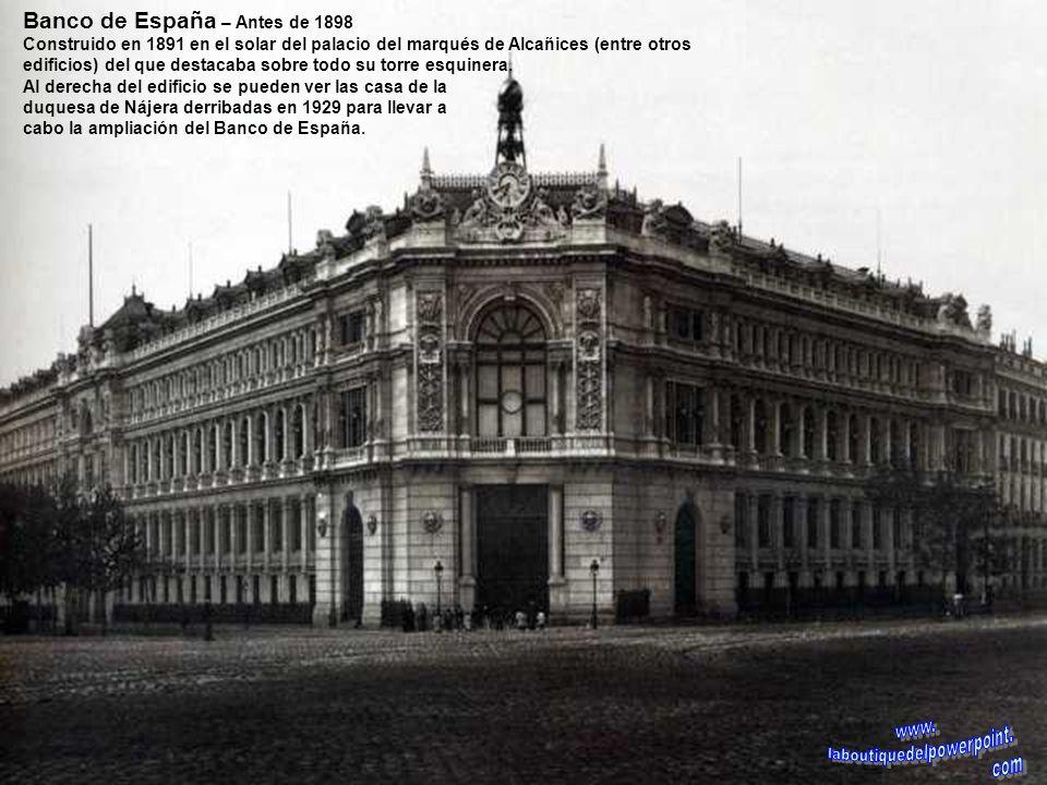 Construcción del Banco de España – hacia 1890 - A la izquierda en el Paseo del Prado una carreta de bueyes con piedras para la construcción. Obsérvese