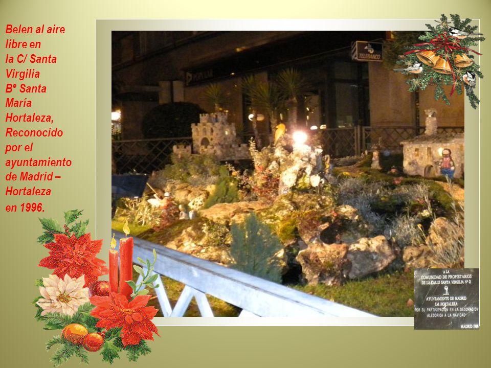 Árbol Navideño- cc.colombia Bº San Lorenzo – Hortaleza. Tradición de origen Pagano en el Norte de Europa, celebraban el nacimiento del Dios Frey, Dios