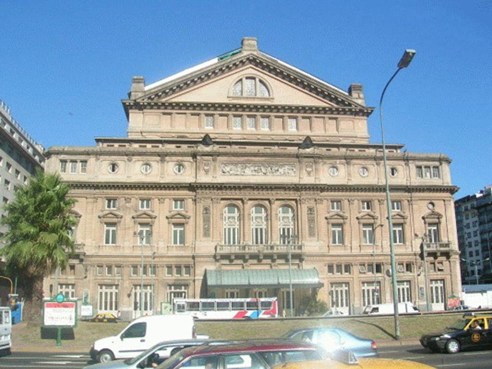 El actual Teatro Colón está ubicado en la manzana El actual Teatro Colón está ubicado en la manzana delimitada por las calles Cerrito y Libertad entre