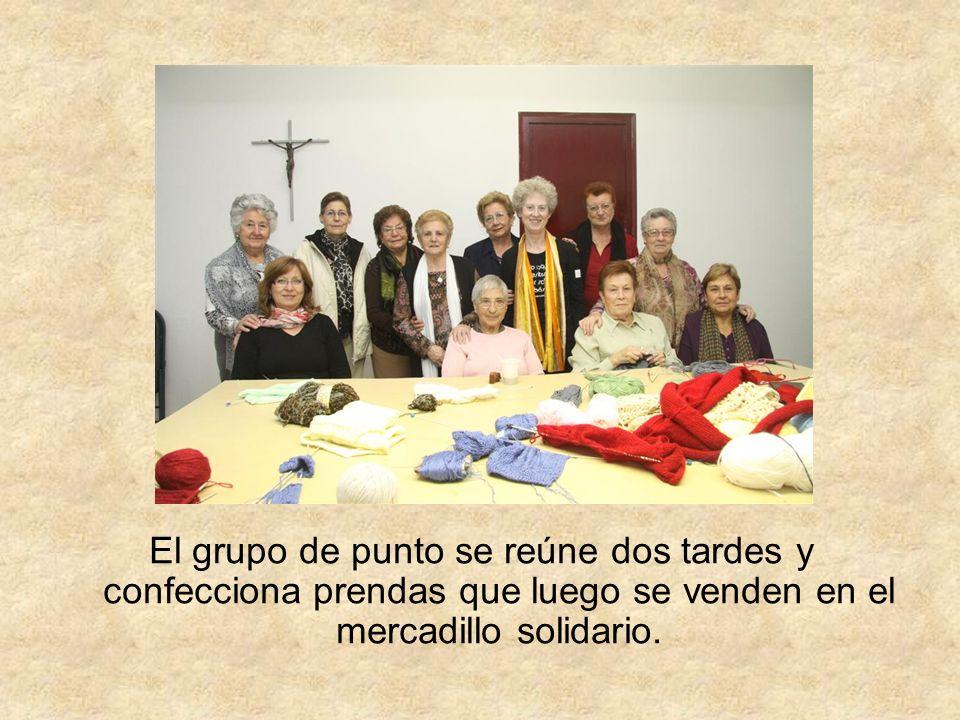 El 17 de junio, el grupo de punto organizó su mercadillo solidario, a favor de la parroquia.