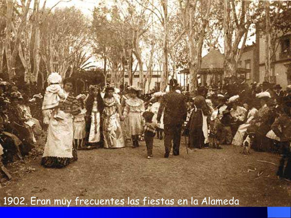 1900 Farolas, plátanos, kiosco........