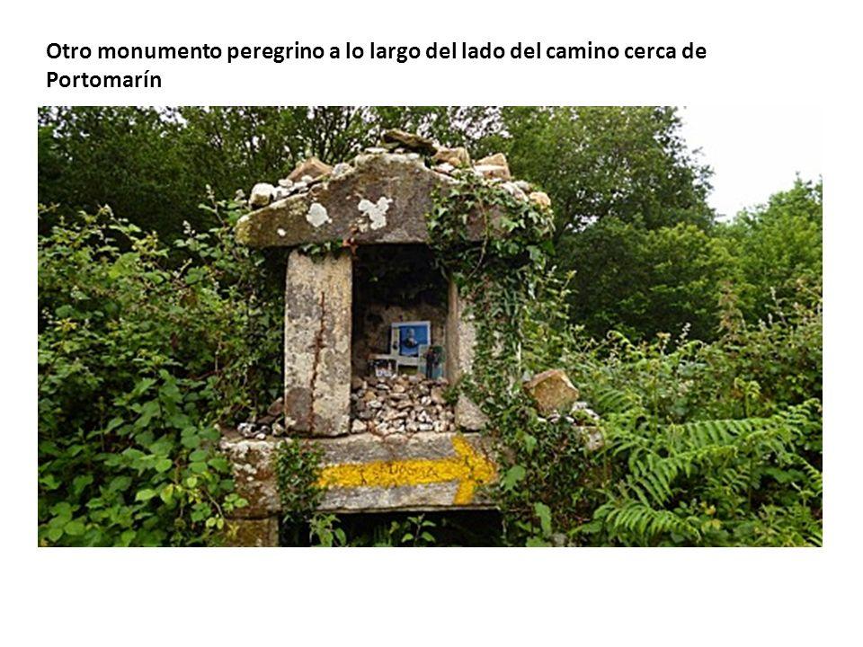 Otro monumento peregrino a lo largo del lado del camino cerca de Portomarín