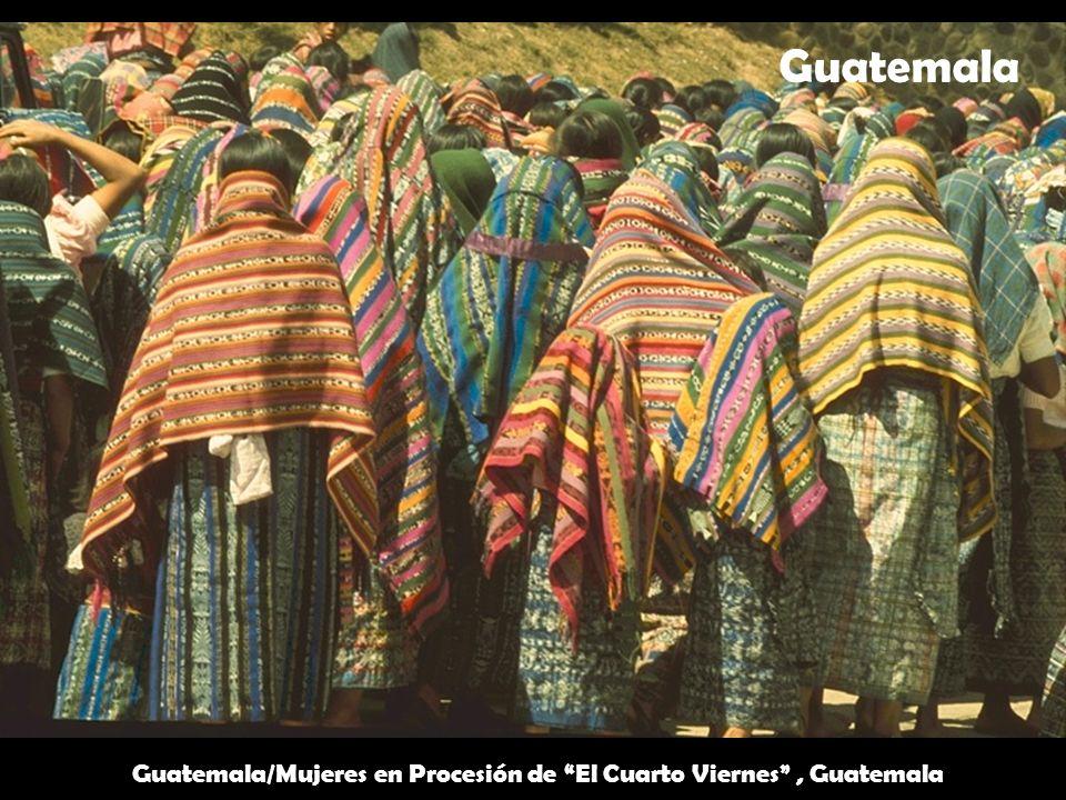 Guatemala/Mujeres en Procesión de El Cuarto Viernes, Guatemala Guatemala