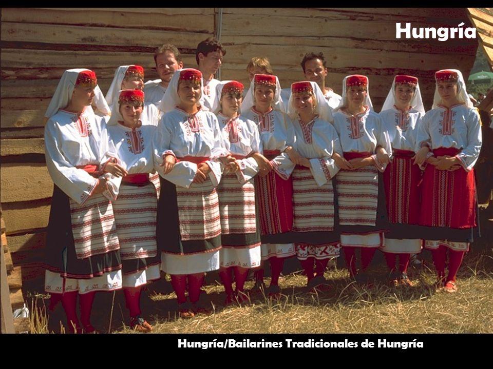 Hungría/Bailarines Tradicionales de Hungría Hungría