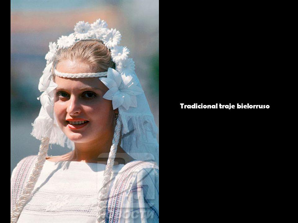 Tradicional traje bielorruso
