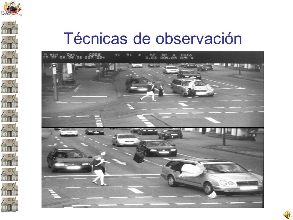 Responda las siguientes preguntas acerca de la imagen anterior: ¿Había autos estacionados en ambos lados del camino.