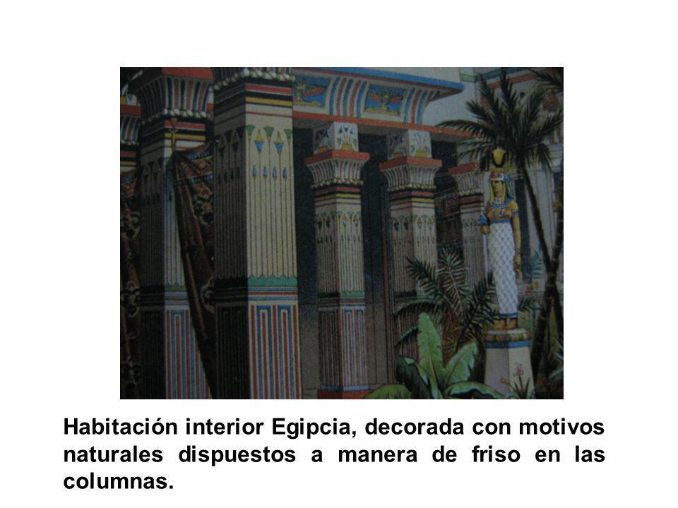Habitación interior Egipcia, decorada con motivos naturales dispuestos a manera de friso en las columnas.