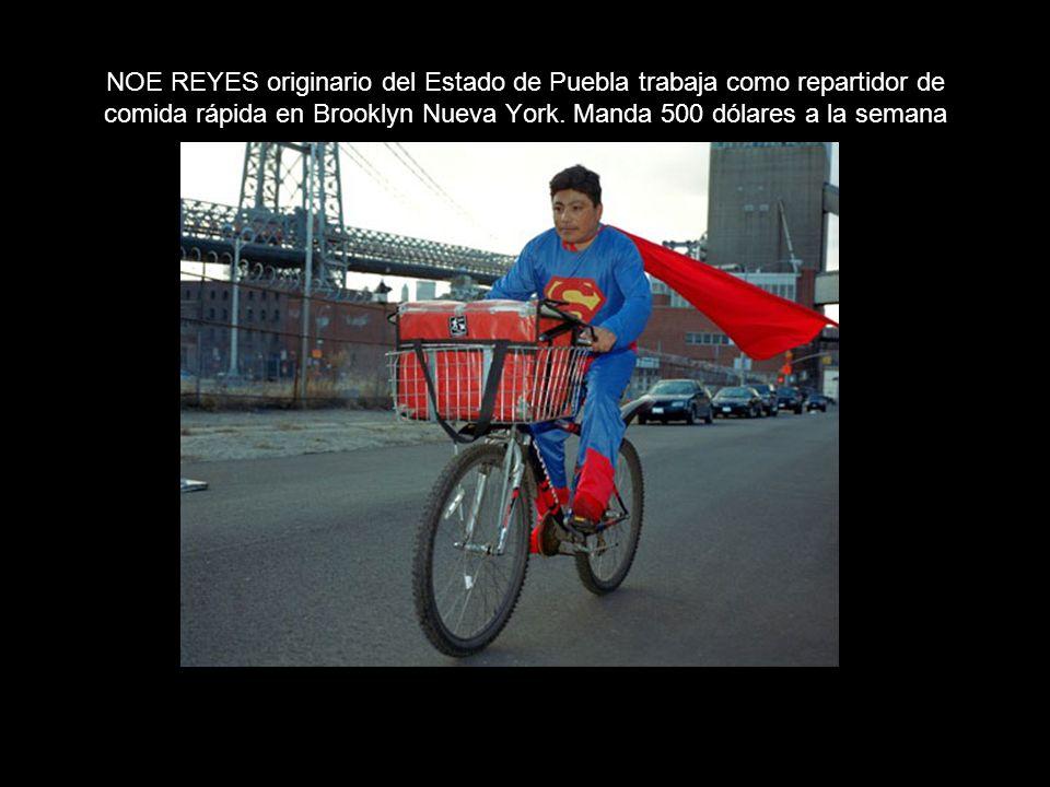 NOE REYES originario del Estado de Puebla trabaja como repartidor de comida rápida en Brooklyn Nueva York.