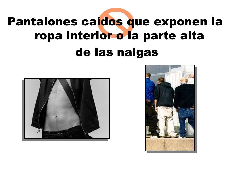 Pantalones caídos que exponen la ropa interior o la parte alta de las nalgas