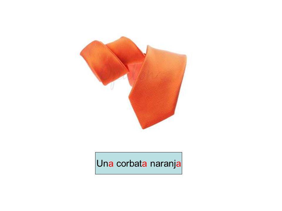 Una corbata naranja