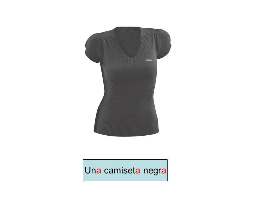 Una camiseta negra