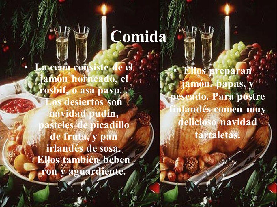 Comida La cena consiste de el jamón horneado, el rosbif, o asa pavo..