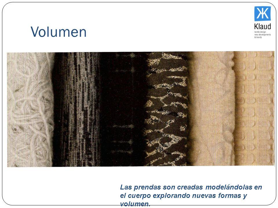 Volumen Las prendas son creadas modelándolas en el cuerpo explorando nuevas formas y volumen.